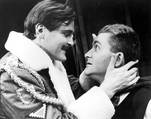 John Howard and Benjamin Franklin in STC's Measure for Measure, 1986.  Photo: Stuart Campbell ©