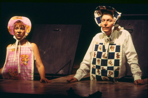 Valerie Bader and Tony Sheldon in STC's Sunday in Iraq with George (The Wharf Revue), 2003.  Photo: Phil Sheather ©