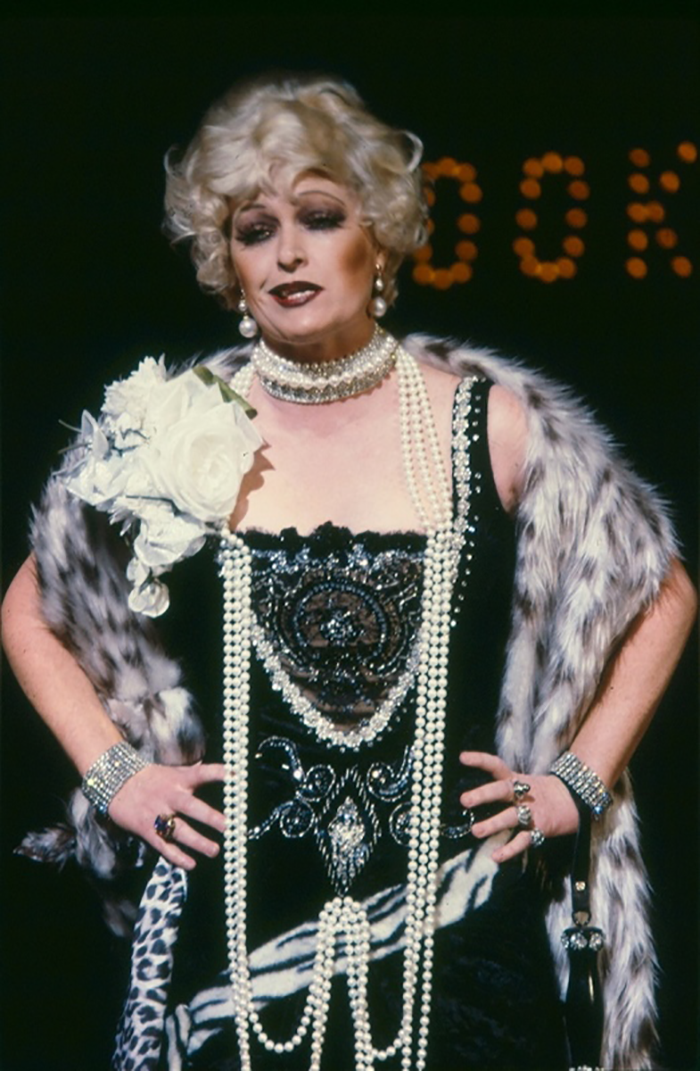 Judi Connelli in STC's Chicago, 1981 (Photo: Brett Hilder)