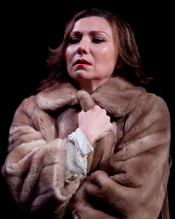Anita Hegh in Gross und Klein, 2011 (Photo: Lisa Tomasetti)