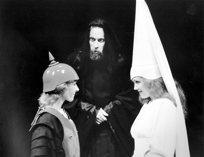 Gillian Jones, Bruce Spence and Julie Nihill in STC's Tom Thumb the Great, 1986 (Photo: Hugh Hamilton)
